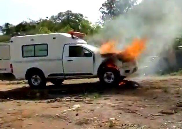 Ambulância da prefeitura de Ibiúna pega fogo na Garagem Municipal